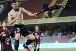 Che carattere il Foggia. I rossoneri ribaltano il Messina 3-1.